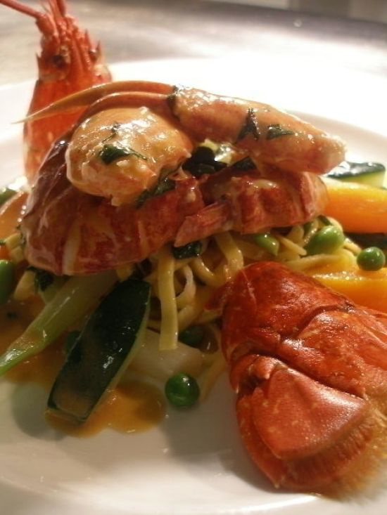 Champagne & Lobster Gourmet 10th August     NOW FULLY BOOKED -